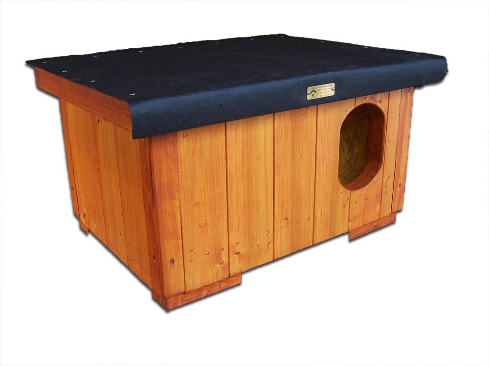 """bouda """"F"""", standartní velikost pro 1 kočku, na střeše obyčejná lepenka, cena 2200,-Kč"""