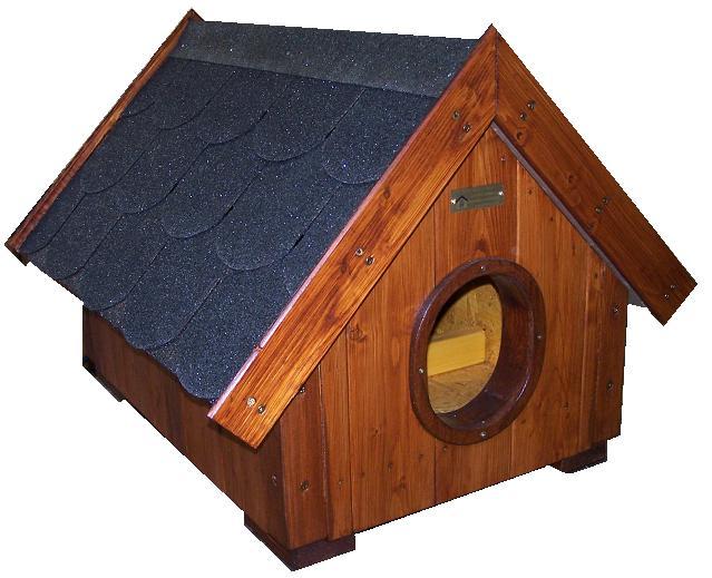 """bouda """"B"""", sedlová střecha s vykrojovaným šindelem, s předsíňkou, pro 1 kočku, cena 3000,-"""